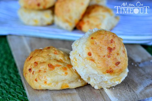 Easy No-Knead Cheddar Rolls Recipe