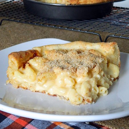 Deep Dish Macaroni and Cheese Pizza